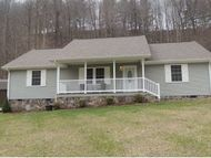 603 Red Cedar Way Norton VA, 24273