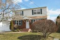 515 Chamberlin St East Meadow NY, 11554