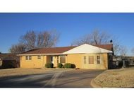 521 N. 2nd Street Weatherford OK, 73096