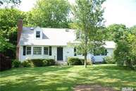 486 Peconic Bay Blvd Aquebogue NY, 11931