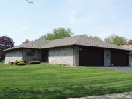 5065 Valley Pines Dr Rockford IL, 61109