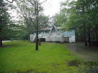163 Westfall Dr Dingmans Ferry PA, 18328