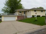 1524 Sunset Dr Belle Plaine IA, 52208