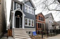 1819 West Roscoe Street Chicago IL, 60657