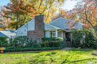 16 Millford Dr Locust Valley NY, 11560
