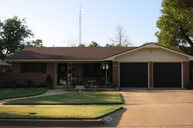 904 James Sweetwater TX, 79556