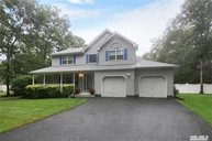 79 Bauer Ave Manorville NY, 11949