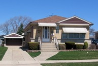 7238 West Lee Street Niles IL, 60714