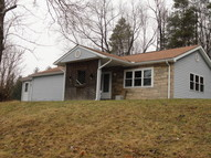 63 Mulberry Lane Chester WV, 26034