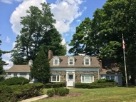 41 Park Ln Essex Fells NJ, 07021