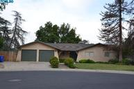 1066 Mountain View Dr Lindsay CA, 93247