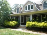 17 Bennett Dr East Quogue NY, 11942