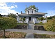 122 W 11th St The Dalles OR, 97058