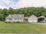 823 Deerfield Lane Hampton TN, 37658