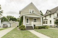 702 S 10th St Watertown WI, 53094