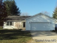 1229 N 2nd St Riverton IL, 62561
