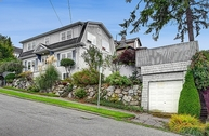 815 E Lynn St Seattle WA, 98102