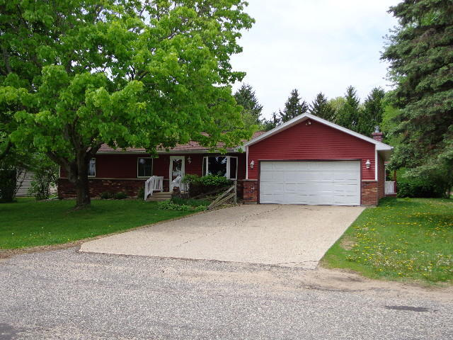 303 Royall Elroy WI, 53929