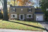 8 Oaks Hunt Rd Great Neck NY, 11020