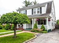 27 Meadow St Garden City NY, 11530