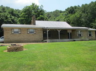 252 Stokes Lane Gainesboro TN, 38562
