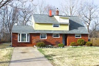 57 Whitewood Dr Levittown PA, 19057