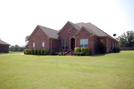 8 E Chateau Estates Drive Greenbrier AR, 72058