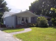 20 Academy Rd Monmouth ME, 04259