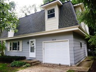 5615 North Woodland Drive Mchenry IL, 60051