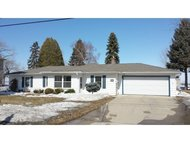 411 Willow Dr Fond Du Lac WI, 54935
