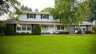 10311 N Fontainbleau Ct Mequon WI, 53092