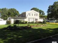 43 Lakeside Dr Lake Ronkonkoma NY, 11779