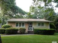 5 Tulip Court Moriches NY, 11955