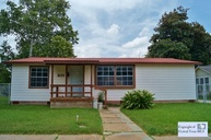 205 Mesquite Ave Luling TX, 78648