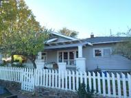 923 E 12th St The Dalles OR, 97058