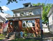 85-54 260th St Floral Park NY, 11001