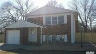 226 Woodycrest Dr Holtsville NY, 11742