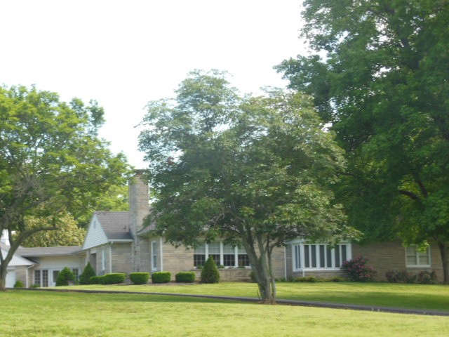 6790 Old Highway 50 Flora IL, 62839