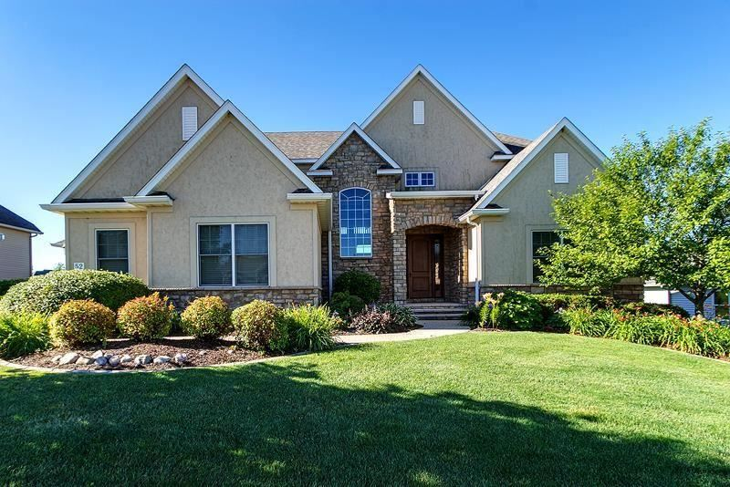 52 Country Club Court Le Claire IA, 52753